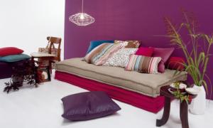 Una soluzione d'interni dai colori lilla- violetti (twils-living)