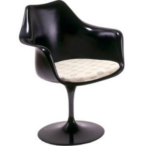Tulip arm chair la versione poltroncina nera.