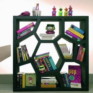 Opus Shelving. Versione black adatto in una camera per ragazzi così come in soggiorno.
