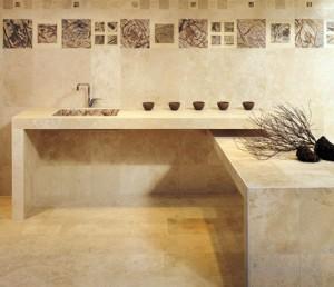 Soluzione di rivestimenti in pietra per una zona cucina.
