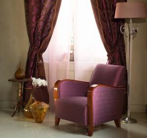 Seta utilizzata  per drappeggi, tendaggi, copriletti e rivestimento di imbottiti. Si tratta di  tessuti in seta, seta/cotone e seta/lino.