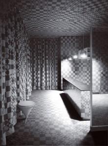 Particolari angoli del Hotel Astoria caratterizzati dalle geometrie dei tessuti e degli arredi appositamente creati.
