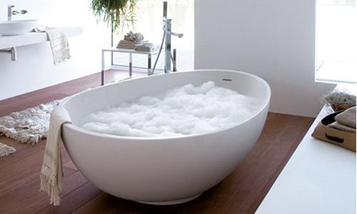Geometrica, rigorosa e materica : Vov è una vasca di grande design ...