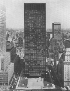 Il Seagram Building di New York (1969).