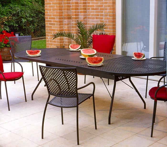 Casa immobiliare accessori tavoli con sedie da giardino - Ikea tavoli e sedie da giardino ...