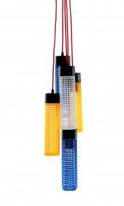 ReOne five, versione a sospensione che assembla cinque corpi luminosi, per un effetto colorato e luminoso.