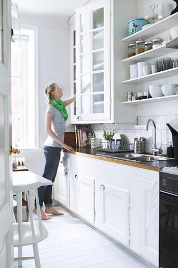 Cucina piccola soluzione in bianco arredativo design magazine - Tiny kitchen ideas ikea ...