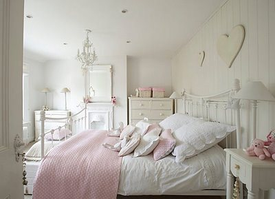 pretty_white_bedroom_for_girls