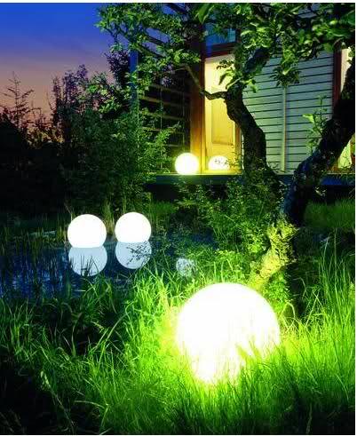 Come illuminare il giardino sun estetic store - Illuminare il giardino ...