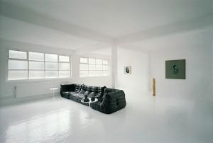 Sedie per uno stile minimal arredativo design magazine for Essere minimalisti
