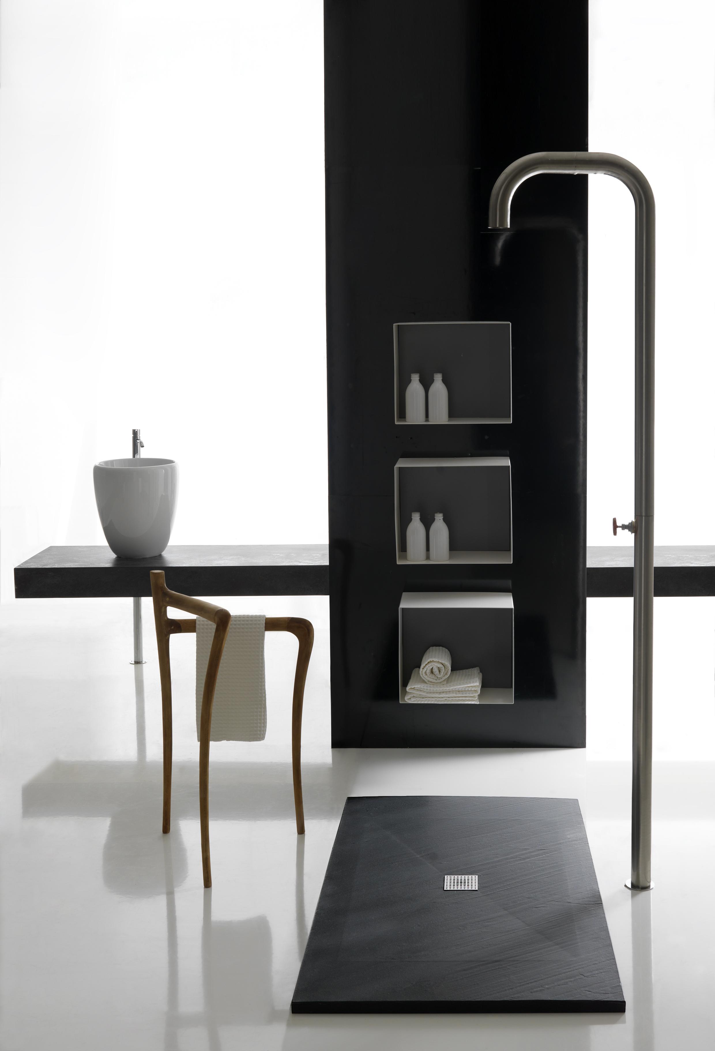 Doccia soluzioni contemporanee arredativo design magazine - Piane del bagno ...