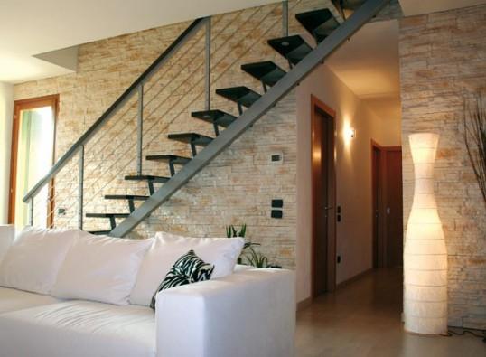 Parete Scala Interna : Pareti interne in pietra moderna. pannelli in finta pietra