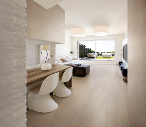 Finiture d 39 interni la piastrella effetto legno for Componenti d arredo moderni
