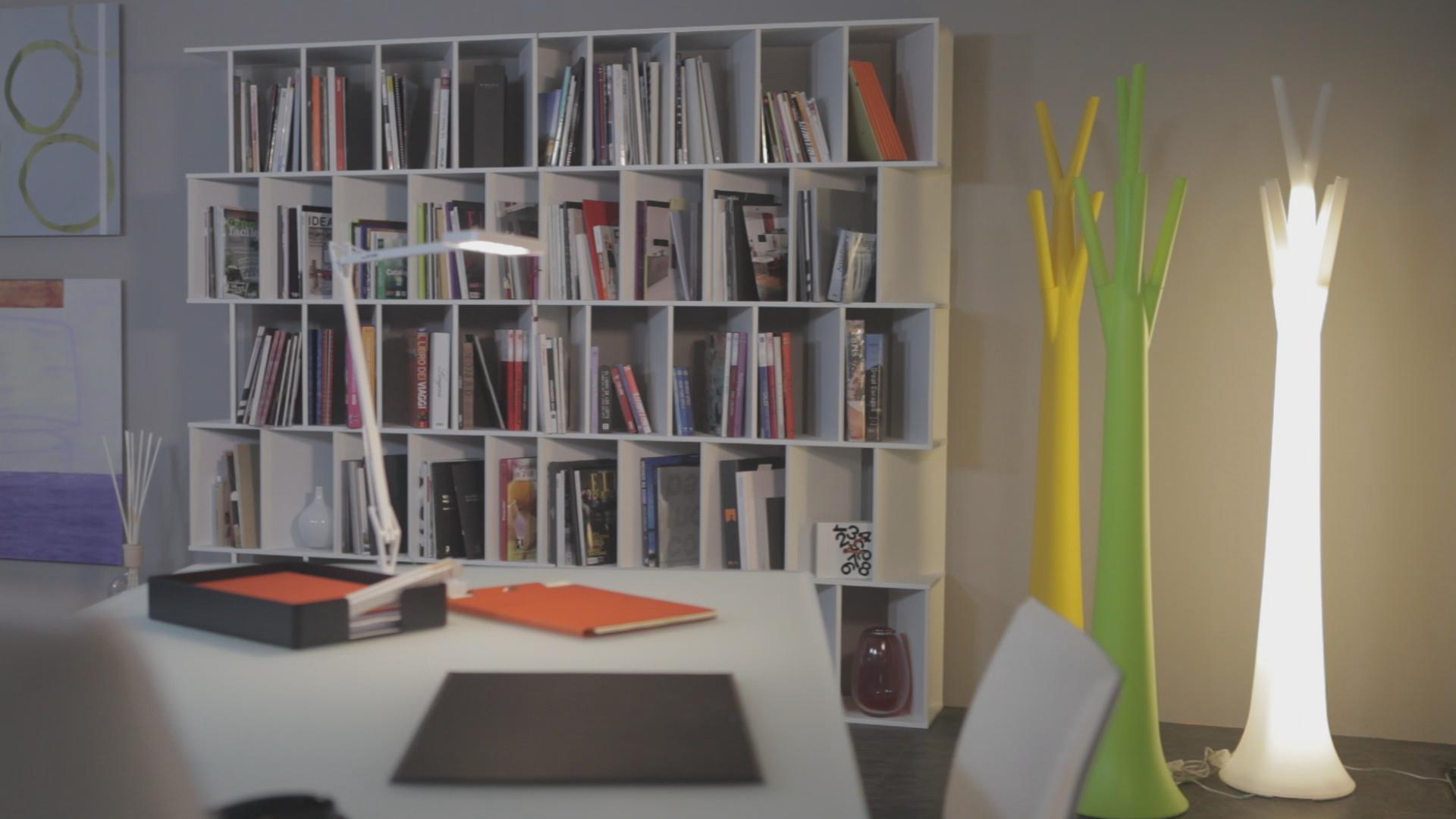 Vendo casa disperatamente il nuovo studio arredato 100 for Studio arredato