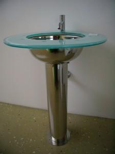 Esempio di rubinetti Vola disegnati da Arne Jacobsen.