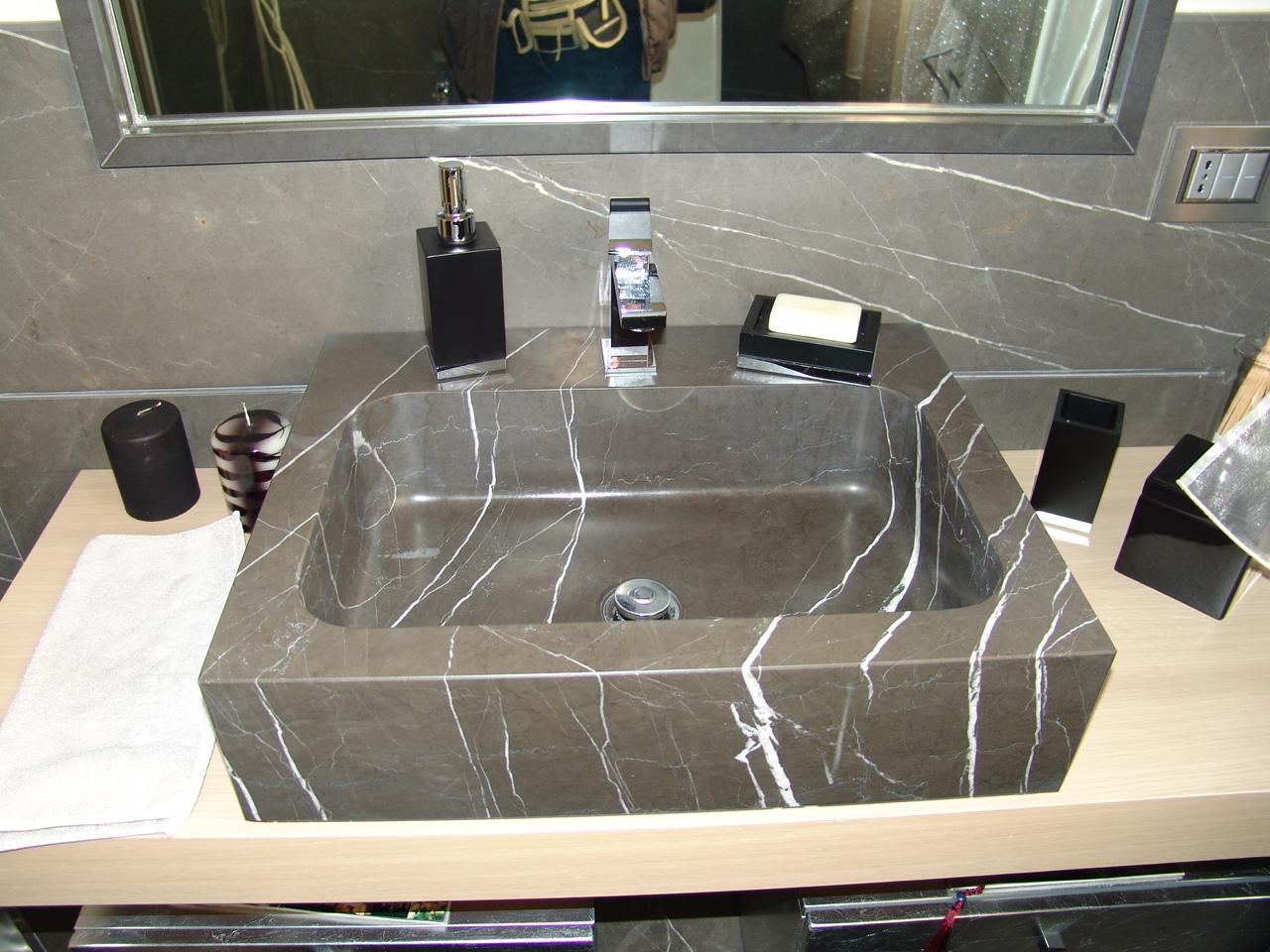 Finiture degli interni la pietra arredativo design magazine - Lavabo bagno marmo prezzi ...