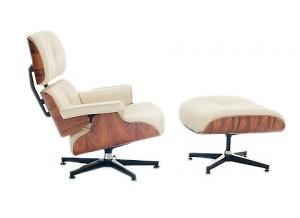Versione in pelle bianca per la Eames lounge chair.