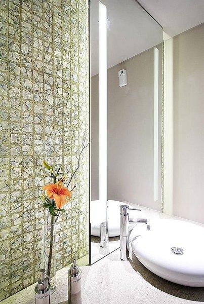 Finiture degli interni la ceramica arredativo design magazine - Mosaico vetro bagno ...