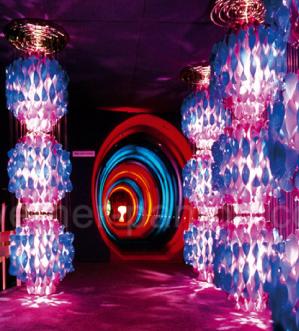 """Istallazione a Visiona 2, """"SPIRALLEUCHTEN"""", furniture fair Cologne, 1970"""