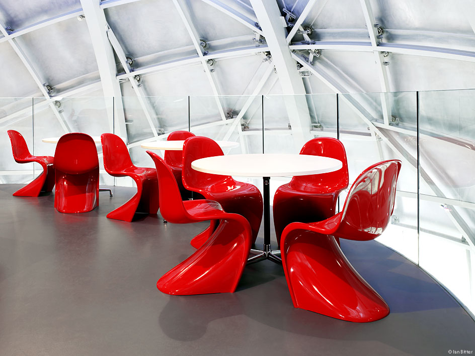 Sedia Pantone Rosa : Panton chair arredativo design magazine