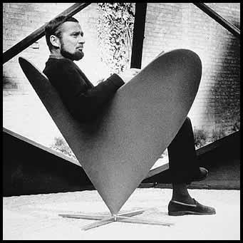... Verner Panton nel 1959 è stata rieditata dal Vitra Furniture Company