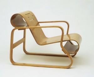 La Paimio chair presente in collezione al Moma di New York.