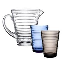 I bicchieri Aino Aalto di Iittala sono realizzati in vetro spesso di alta qualità.