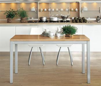 Sala da pranzo il tavolo arredativo design magazine for Tavoli lunghi