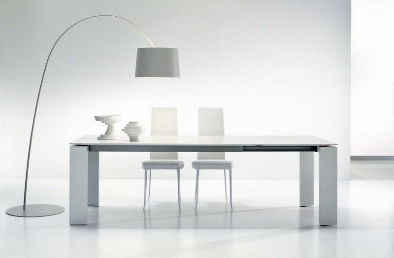 Sala da pranzo il tavolo arredativo design magazine for Tavoli in cristallo e acciaio