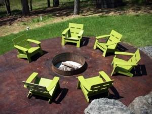 Sedie in plastica riciclata Loll Design.