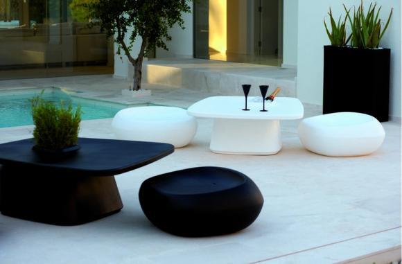 Arredi per esterni materiali arredativo design magazine for Mobili per terrazzi e giardini