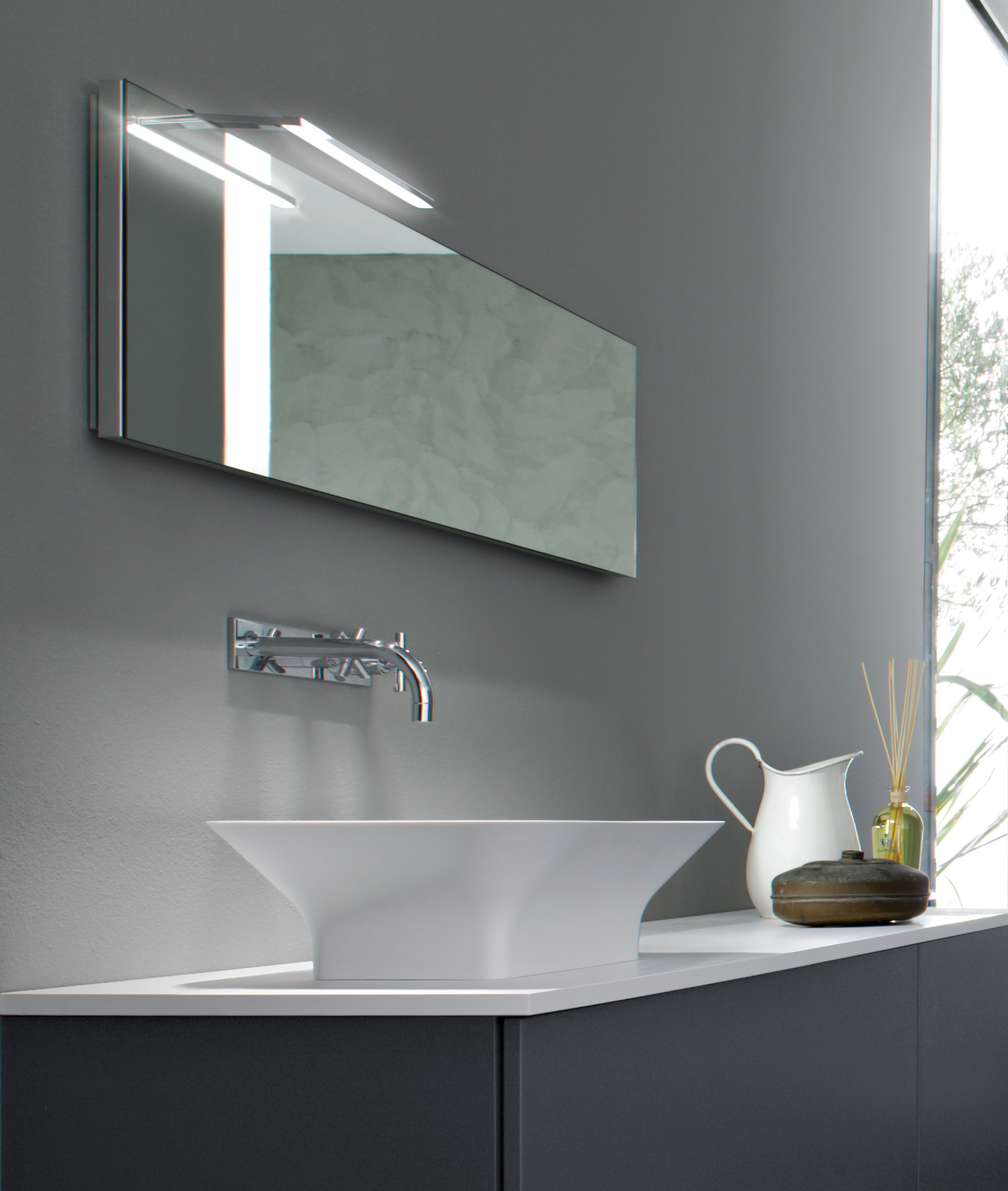 Elle nuova lampada led per il bagno arredativo design - Lampada led per specchio bagno ...