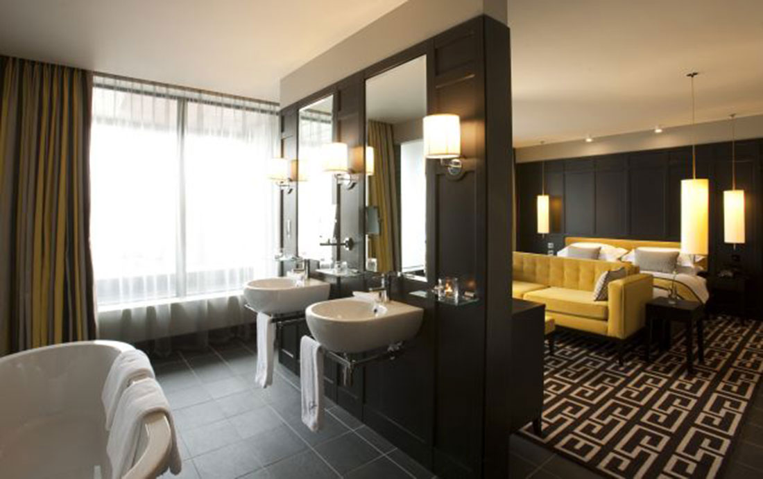 Soluzioni il bagno in camera arredativo design magazine Open master bedroom and bathroom ideas