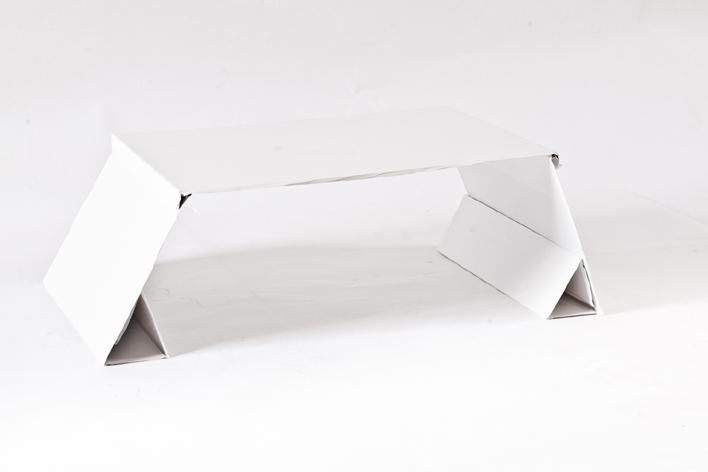 Tavolino+- by Michele Muggiani