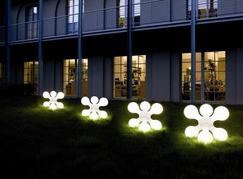 Outdoor illuminare con luci d 39 ambiente arredativo for Illuminazione led casa esterno