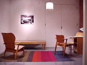 Immagini dalla mostra del 2001 dedicata a Tapiovaara dalla R Gallerydi New York