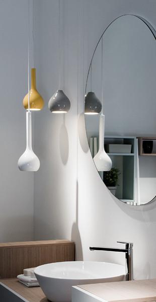 Illuminare la stanza da bagno arredativo design magazine - Lampadario da bagno ...