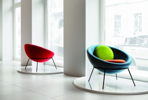 Bowl chair from Arper presso Showroom Arper Fuorisalone 2013