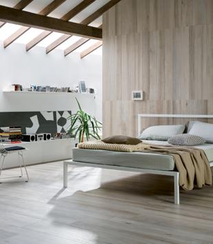 Finiture d 39 interni la piastrella effetto legno for Designer di interni