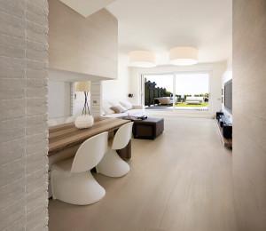 Finiture d 39 interni la piastrella effetto legno for Pavimenti per case moderne