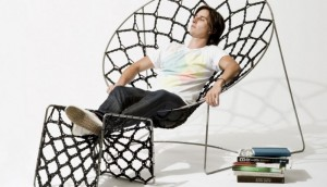 the-nook-chair-01-944x544-800x461