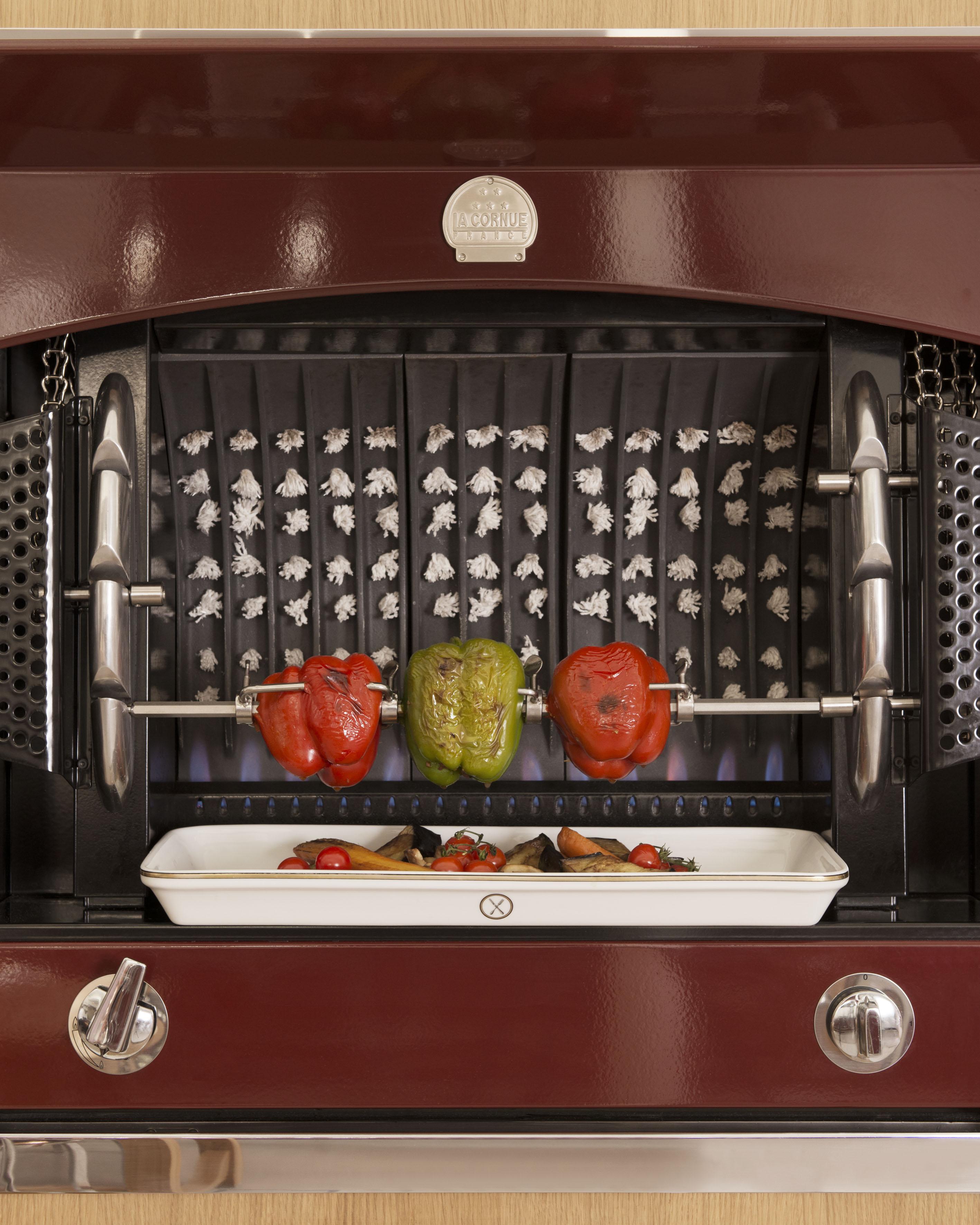 la flamberge la cornue l arrosto in grande stile. Black Bedroom Furniture Sets. Home Design Ideas
