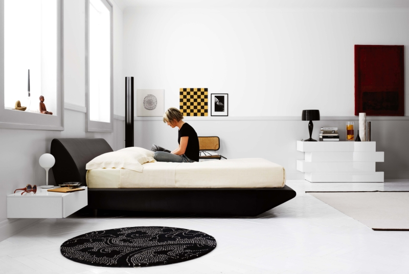 Total black camera da letto arredativo design magazine for Camera da letto total white