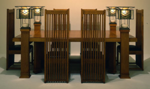 Frank Lloyd Wright, Dining Table and six Chairs, 1908-10, Designed for the Frederick C. Robie Residence, Chicago, (fonte:http://arttattler.com/ )