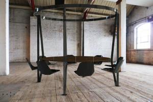 The King Arthur, round swing table_8seats_02_logo