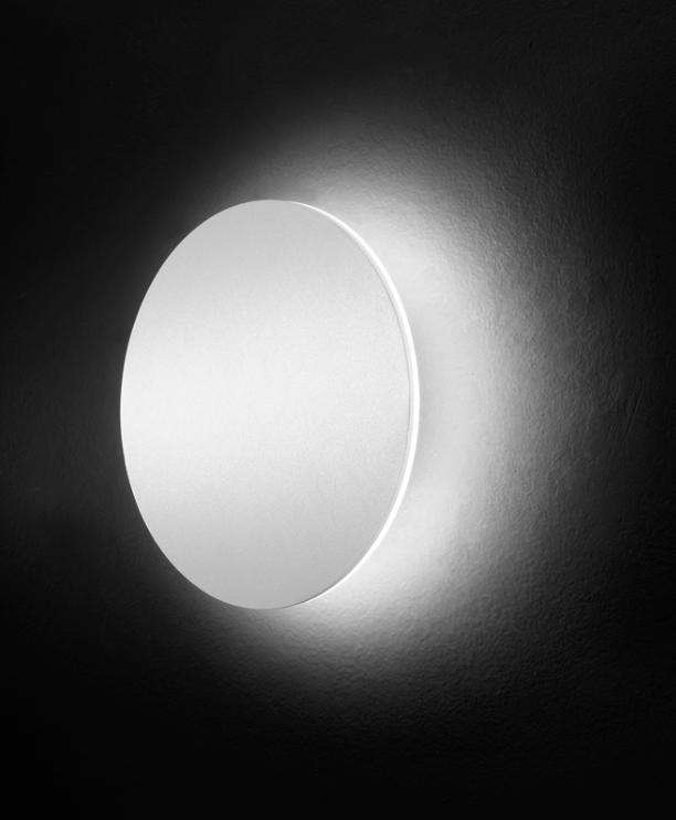 La stanza in pi ovvero arredare la taverna arredativo - Illuminazione parete design ...