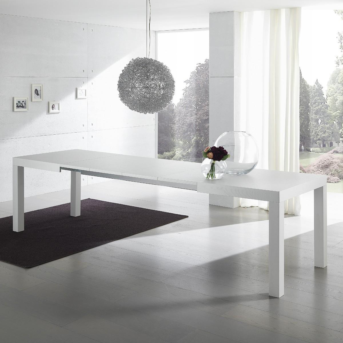 Spazi flessibili il living si trasforma arredativo for Tavolo sala da pranzo bianco