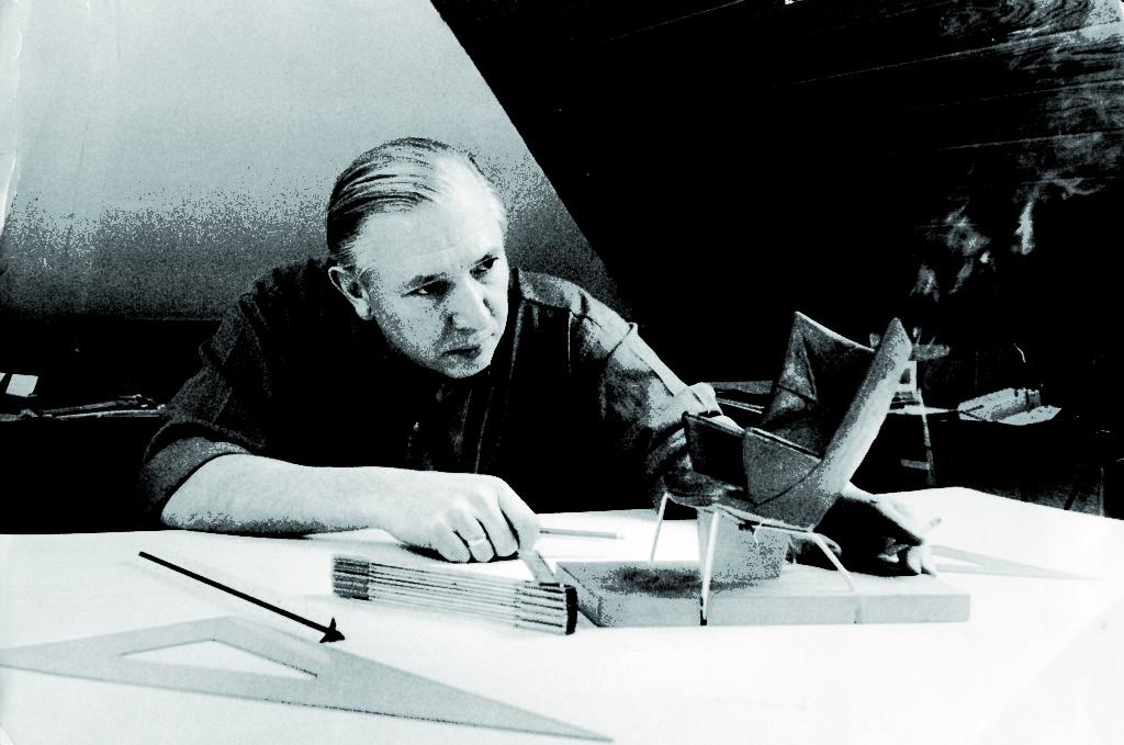 Hans J. Wegner (fonte:www.property-report.com)