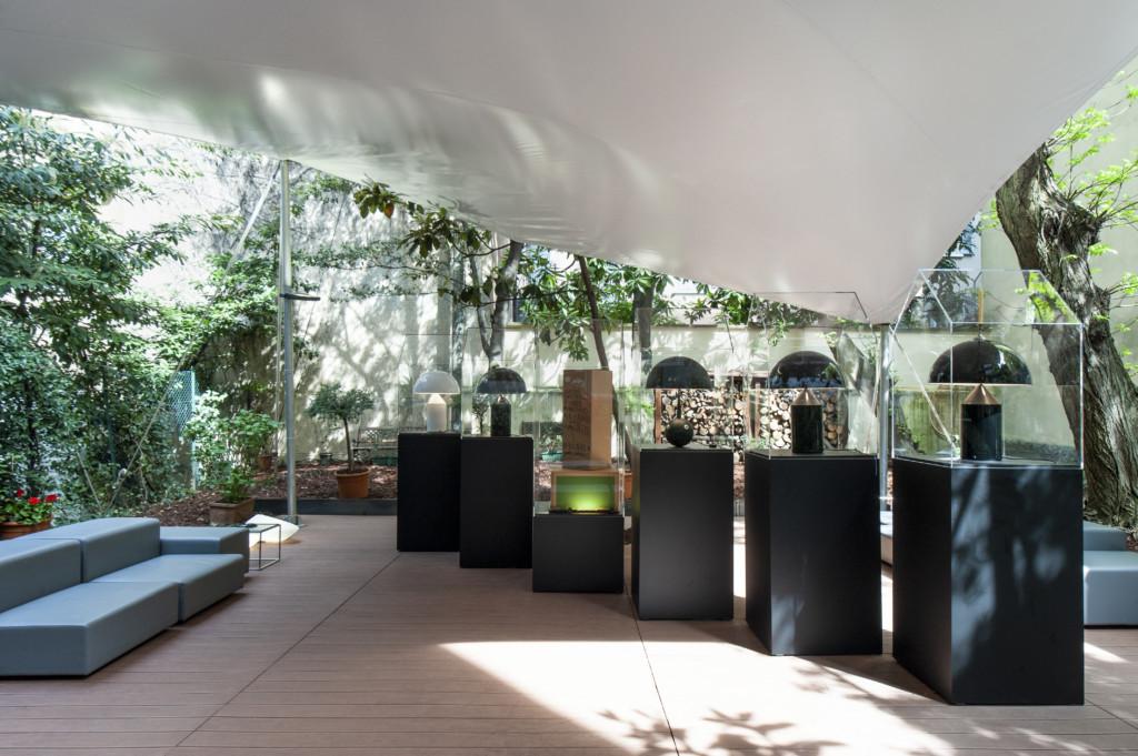 Atollo di oluce l 39 omaggio di 4 grandi artisti alla lampada di magistretti arredativo design - Progetto casa fossato di vico ...