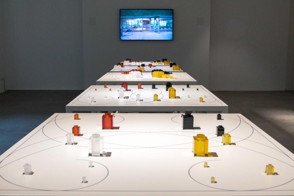 Lieven De Boeck, Sã (100 Legos), installation view, ph. Enrico Fiorese